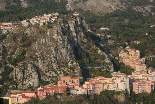 Vista di Colliano arroccato sulle pendici del monte Marzano